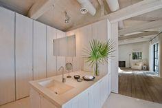 http://www.vogue.com.au/vogue living/interiors/galleries/calvin kleins axel vervoordt designed house is for sale,36341