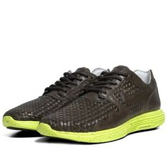 Nike Sportswear releases the retro-inspired Lunar Flow Woven LTH in a new Sable Green colorway. Running Fashion, Nike Lunar, Leather Gifts, Nike Running, Nike Sportswear, All Black Sneakers, Nike Shoes, Nike Air, Footwear