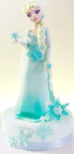 Elsa Cake Topper ~ she's made of modelling paste and fondant