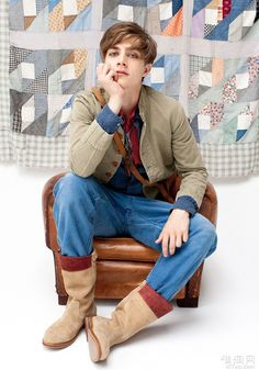 Excellent Male Model Pedro Bertolini 様 Beautiful Boys, Pretty Boys, Fashion 2018, Fashion Models, Lion Hand Tattoo, Denim Ideas, Hot Boys, Cute Guys, Male Models