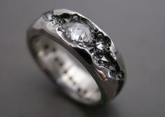 I've seen so many beautiful rings of late, but this gorgeous creation by Todd Pownell has really caught my eye!