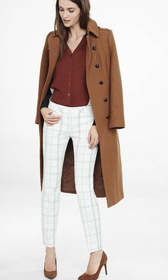 Let the Editor polish up your look with a shortened length and double windowpane plaid. This pant offers a bit of stretch for a flattering, comfortable fit.