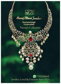 Saved by radha reddy garisa Diamond Choker, Diamond Pendant, Diamond Jewelry, Gold Jewelry, Beaded Jewelry, Jewelery, Bold Necklace, Pearl Set, Gold Jewellery Design