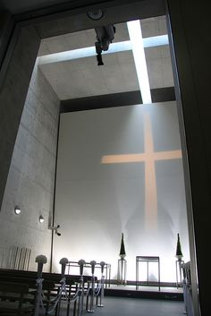 Interesting use of light/shadow/reflection Cappella Di Mare, Awaji Yumebutai, Awaji, Hyogo, Japan. Work of Tadao Ando Sacred Architecture, Religious Architecture, Church Architecture, Light Architecture, Amazing Architecture, Architecture Details, Interior Architecture, Sustainable Architecture, Tadao Ando