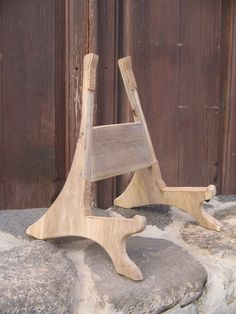 Love this guitar stand! Somebody make me one!