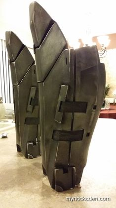 Sith Acolyte Shin and Calf Plates Jedi Cosplay, Mandalorian Cosplay, Batman Cosplay, Cosplay Diy, Nightwing Cosplay, Robot Costumes, Star Wars Costumes, Cosplay Costumes, Suit Of Armor