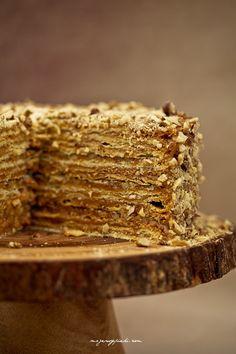 Tort De Milhojas cake - Chile and Argentina Poke Cakes, Lava Cakes, Cupcake Cakes, Cupcakes, Fudge Cake, Brownie Cake, Sweet Recipes, Cake Recipes, Dessert Recipes