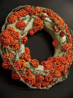 extraordinary fall wreath  - Onega Dahlgren