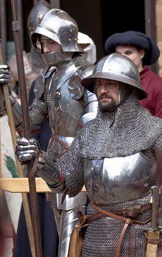 Knigth reenactor chain mail plate armor sallet kettle helm helmet 14th century 15th century