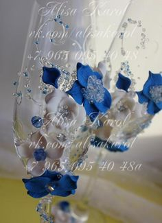 Wedding champagne glasses, wedding toasting flutes blue and white color , wedding gift