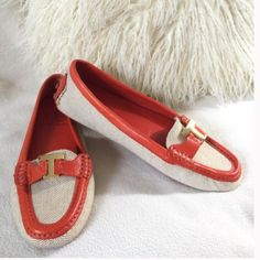 """Tory Burch BRAND NEW driving loafer Tory Burch BRAND NEW driving loafer in a fun bright orange leather and a linen textile   Rubber grips also add a nice comfort. Only tried on a couple times never worn outdoors and are in excellent condition. Gold """"T"""" logo at toe. States size 8.5 feels these would fit an 8 best   Insole measures 9 1/4"""" long for reference. Tory Burch Shoes Flats & Loafers"""