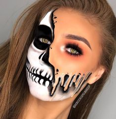 Fun Make-up # maquillaje - schminken Visage Halloween, Maquillage Halloween Clown, Halloween Makeup Clown, Halloween Makeup Looks, Clown Makeup, Halloween Face, Costume Makeup, Halloween Costumes, Pretty Halloween