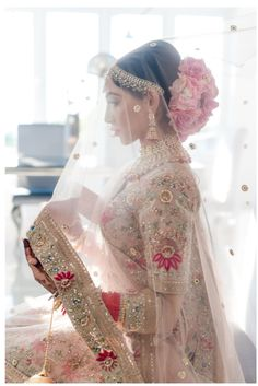 Looking for Bridal Lehenga for your wedding ? Dulhaniyaa curated the list of Best Bridal Wear Store with variety of Bridal Lehenga with their prices Indian Bridal Outfits, Indian Bridal Hairstyles, Indian Bridal Fashion, Indian Bridal Lehenga, Wedding Dresses For Girls, Bridal Dresses, Girls Dresses, Indian Wedding Bride, Indian Wedding Hair