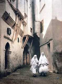 Red Sea street, Algiers, Algeria  Here we present an historic image of Red Sea street, Algiers, Algeria. This color photochrome print was taken in 1899 in Algiers, Algeria.