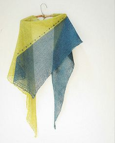 A simple shawl knitted in linen for a crisp and airy look.