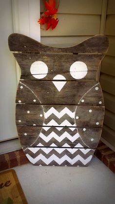 "My favorite project Ive done....""Whooo's There?"" an Owl made out of reclaimed wood for my front porch!...I'm going to decorate him for each season!"
