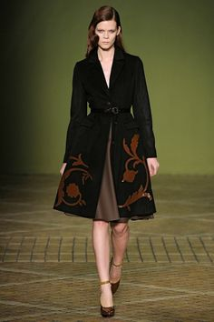 Love this fall coat! by Jonathan Saunders