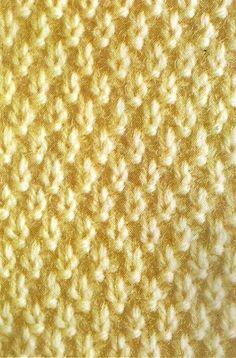 Os pontos de tricô tipicos da Irlanda têm textura densa e são famosos por seus bonitos motivos que incluem algumas variações de trança. Se ... Weaving Patterns, Stitch Patterns, Knitting Patterns, Crochet Patterns, Lace Knitting, Knitting Stitches, Knit Crochet, Knitting Designs, Knitting Projects