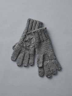 Honeycomb cable knit gloves Product Image