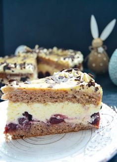 # egg liqueur # cake # recipes # easter cake # easter # baking E The post Recipe eggnog cake with walnut base appeared first on Win Dessert. Donut Recipes, Baking Recipes, Cake Recipes, Dessert Recipes, Eggnog Cake, Eggnog Recipe, Fig Cake, Donut Decorations, Flaky Pastry