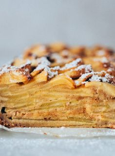 Esta tarta de manzana jugosa es un tarta húmeda, tipo pudding, super fácil de preparar y deliciosa! Sírvela bien fresquita de la nevera y triunfarás! #tarta de #manzana #jugosa #deliciosa #pudding #receta #facil | deliciaskitchen.com Food N, Food And Drink, Cheesecake Cookies, Winter Food, Desert Recipes, Sin Gluten, Healthy Desserts, Soul Food, Sweet Recipes