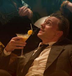 Tom Hiddleston is nominated for the german 'Jupiter Award' as Best Actor International for High-Rise vote here: http://www.jupiter-award.de/wahl/wer-waren-ihre-favoriten-aus-kino-und-tv-im-juni,8442378,ApplicationVoting.html#votingTop