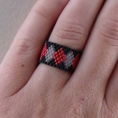 Nothin' but SEED BEADs Ring - Harlequin or Diamond Pattern | review | Kaboodle Diy Beaded Rings, Beaded Jewelry, Jewelry Rings, Jewelery, Beaded Bracelets, Bead Loom Patterns, Jewelry Patterns, Beading Patterns, Ring Ring