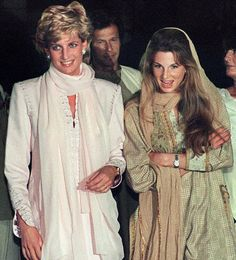 After her divorce from Prince Charles, Princess Diana had apparently through complex and tragic story of love with Hasnat Khan.