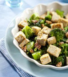Fried vegetables, peans and nuts/Pikapaistettuja vihanneksia, papuja ja pähkinöitä