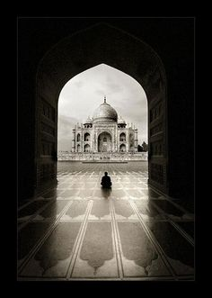 Taj Mahal Photography by Thamer Al-Tassan