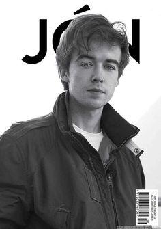 Male Fashion Trends: Dan Levy, Alex Lawther, Sebastian Sauve y Connor Field para JÓN Magazine No. 19