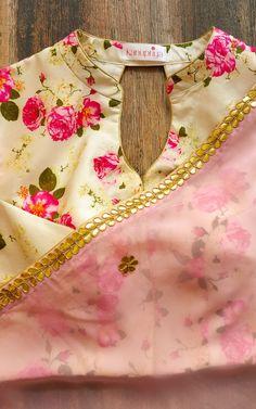 Buy Light Pink Gota Patti Saree with Printed Blouse Online – LabelKanupriya Simple Blouse Designs, Stylish Blouse Design, Blouse Back Neck Designs, Saree Blouse Patterns, Designer Blouse Patterns, Saree Blouse Designs, Floral Blouse, Printed Blouse, Saree Floral