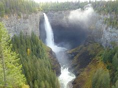 Helmcken Falls, Kamloops, Canada Been there! Loved it sooo much Travel 2017, Canada Travel, Hiking Spots, Canadian Rockies, Vacation Places, Places Around The World, British Columbia, The Great Outdoors, Places To See