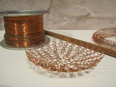 Wire Wrapped Earrings, Wire Wrapped Pendant, Wire Earrings, Copper Wire Crafts, Ruth Asawa, Oakland Museum, Diy Lampe, Wire Crochet, Diy Chandelier