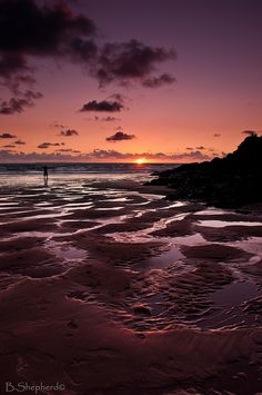 Woolacombe Sunset - the most precious childhood memories! Woolacombe Beach, Beautiful World, Beautiful Places, Places To Travel, Places To Visit, Rocky Shore, North Devon, Going On Holiday, Day Trips