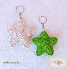 Tutorial estrella amigurumi a crochet / How to knit a crochet star by ashleyw Crochet World, Rag Rug Tutorial, Hat Tutorial, Crochet Flower Tutorial, Crochet Flowers, Crochet Keychain, Crochet Earrings, Tunisian Crochet, Knit Crochet
