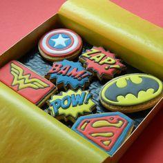 I like the idea but like the color of the other cookies like this. ~e Superheroes Gift Box - Medium Superheroes Gift Box : Campervan Cookies, Delicious handmade and bespoke cookies Superhero Cookies, Superhero Gifts, Superhero Cake, Superhero Birthday Party, Superman Cookies, Iced Cookies, Cute Cookies, Royal Icing Cookies, Cupcake Cookies