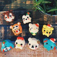 Christmas Disney macarons: Dale, Minnie, Tigger, Hello Kitty, Pooh bear, Eeyore, Daisy, Dumbo.