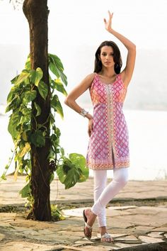 ok her pose is ridiculous but i love this kurta - very summery and cute!