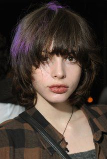 Charlotte Kemp Muhl, Actress: The Dead Don't Die. Charlotte Kemp Muhl is an actress, known for The Dead Don't Die Zombeavers and Untitled Kansas Bowling Film. Hairstyles With Bangs, Trendy Hairstyles, Hair Inspo, Hair Inspiration, Kemp Muhl, Short Grunge Hair, Short Punk Hair, Girl Short Hair, Hair Reference