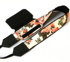 Flowers Camera Strap with a Pocket. Roses Camera Strap. DSLR / SLR Camera Strap. Photo Camera accessories. For Sony, canon, nikon, panasonic, fuji and other cameras.
