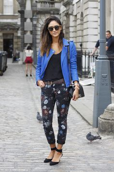 blue and floral. #streetstyle #fashion