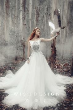 Looking at the design of the wedding Lan Yi works hunting goddess 1 Foto Fantasy, Fantasy Dress, Fantasy Girl, Fantasy Photography, Girl Photography, Fashion Photography, Fairytale Dress, Beautiful Dresses, Marie