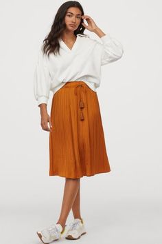 Pleated Satin Skirt - Dark yellow - Ladies | H&M US 2