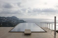 John pawson infinity and pools on pinterest for Infinity pool design uk