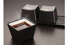 Para un fanático de la tenconolgía, qué mejor que tener este set de tazas Ctrl-Alt-Delete. Foto:Thefancy.com