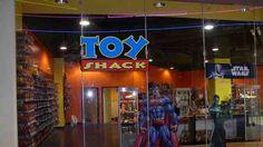 Las Vegas Toy Shack Now Open On Fremont Street Experience In Las Vegas! Las Vegas Tips, Las Vegas 2017, Las Vegas Shows, Las Vegas Nevada, Las Vegas Attractions, Kids Attractions, Las Vegas Restaurants, Las Vegas With Kids, Vegas Fun