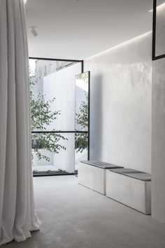 Melbourne Boutique of Bridal Designer Mariana Hardwick Stucco Interior Walls, Interior And Exterior, Interior Design, Wall Design, House Design, Venetian Plaster Walls, Living Room Decor Curtains, Polished Plaster, Victorian Buildings