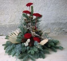 Christmas Projects, Christmas Wreaths, Funeral Flowers, Ikebana, Advent, November, Etsy, Holiday Decor, Gallery