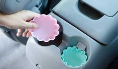 Spend a lot of time in your car? These 18 car cleaning hacks will take your ride from being a dumpster on wheels into a car you can be proud of! Car Cleaning Hacks, Car Hacks, House Cleaning Tips, Silicone Cupcake Liners, Cupcake Wrappers, Life Hacks Auto, Best Family Cars, Diy Car, Organization Hacks